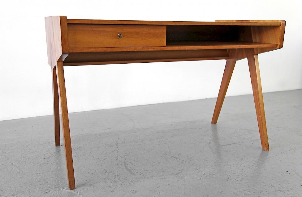 Helmut Magg Writing Desk / Schreibtisch by WK Vereinigte Werstätten - Made in Germany_Gallery