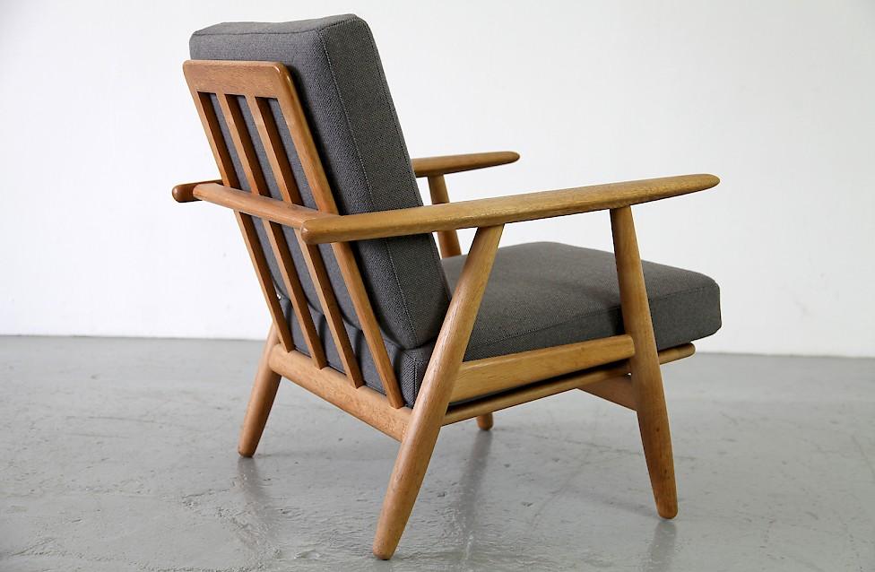 hans j wegner eiche sessel cigaren adore modern. Black Bedroom Furniture Sets. Home Design Ideas