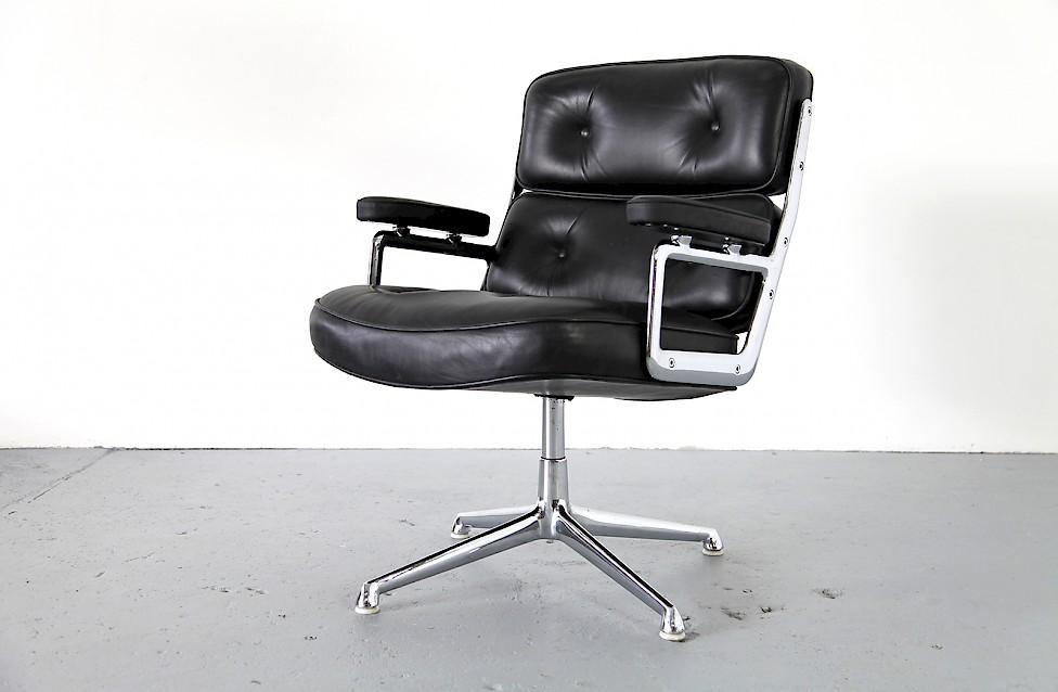 Ray & Charles Eames Executive Chair - Adore Modern