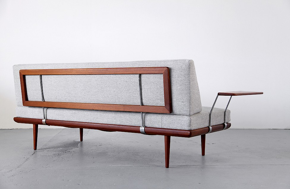 Peter Hvidt and Orla Molgaard-Nielsen Daybed made by France and Son, Denmark