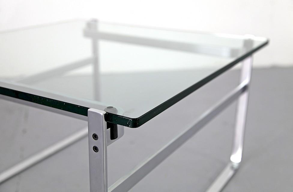 glas couchtisch von preben fabricius adore modern. Black Bedroom Furniture Sets. Home Design Ideas