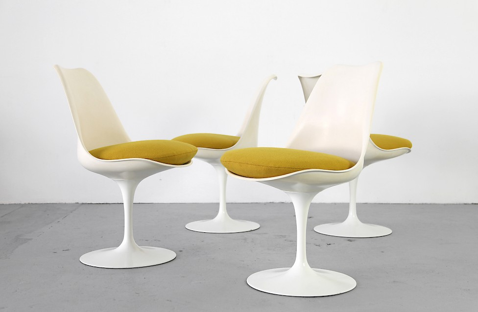 Tulip Chairs By Eero Saarinen With Mustard Yellow Cushions Knoll  International, 1950s