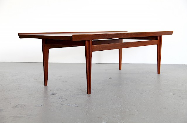 Danish Modern Coffee Table / Couchtisch by Finn Juhl for France and Søn - Made in Denmark_Gallery