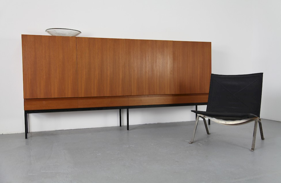 teak highboard von dieter waeckerlin f r behr m bel adore modern. Black Bedroom Furniture Sets. Home Design Ideas