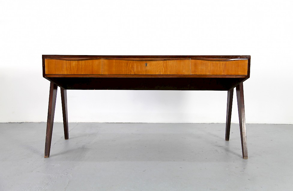 mid century modern walnut writing desk by behr m bel. Black Bedroom Furniture Sets. Home Design Ideas