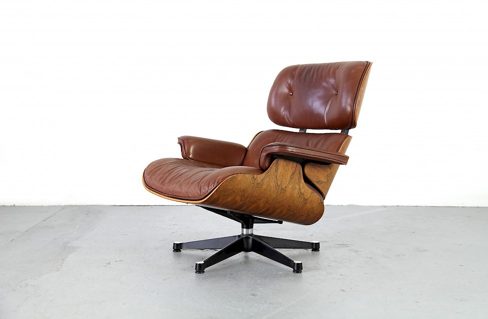 original brauner echtleder lounge chair von ray charles eames adore modern. Black Bedroom Furniture Sets. Home Design Ideas
