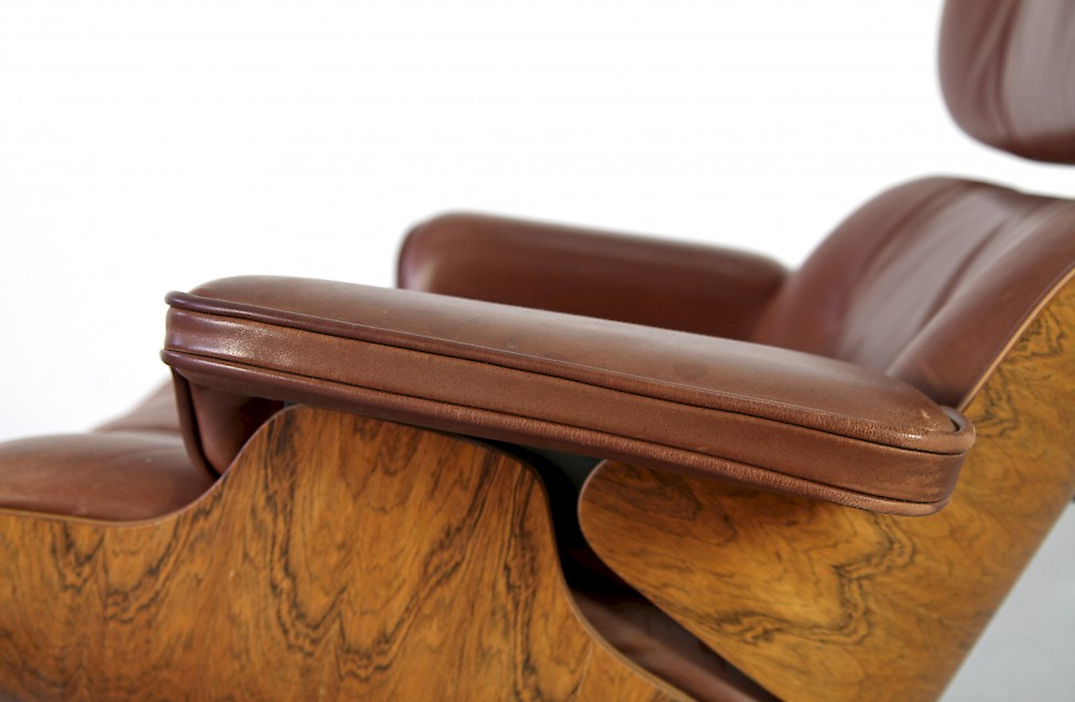 Original Brown Leather Eames Lounge Chair By Ray Charles