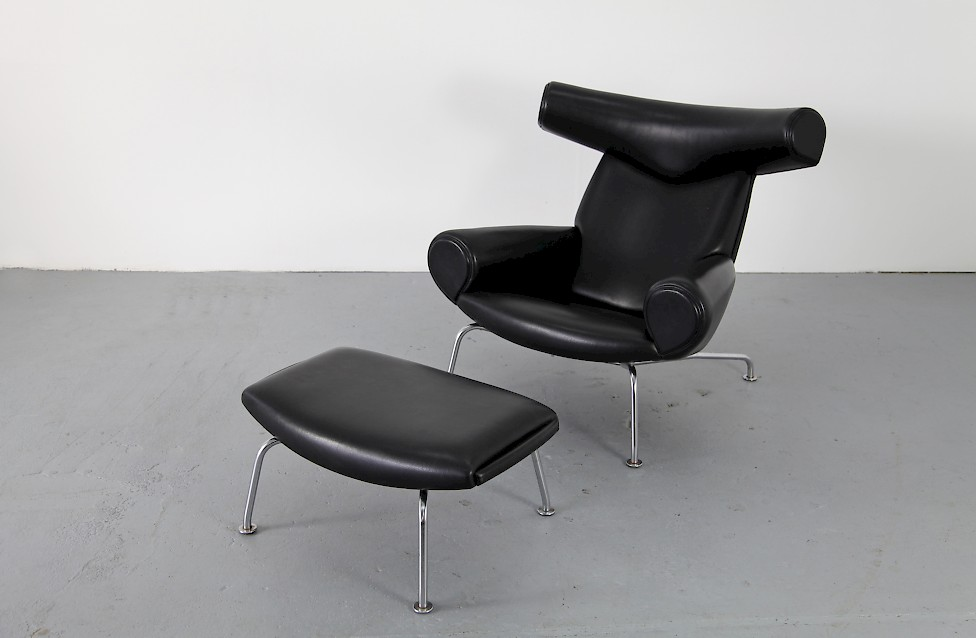 black leather ox chair with ottoman by hans j wegner. Black Bedroom Furniture Sets. Home Design Ideas