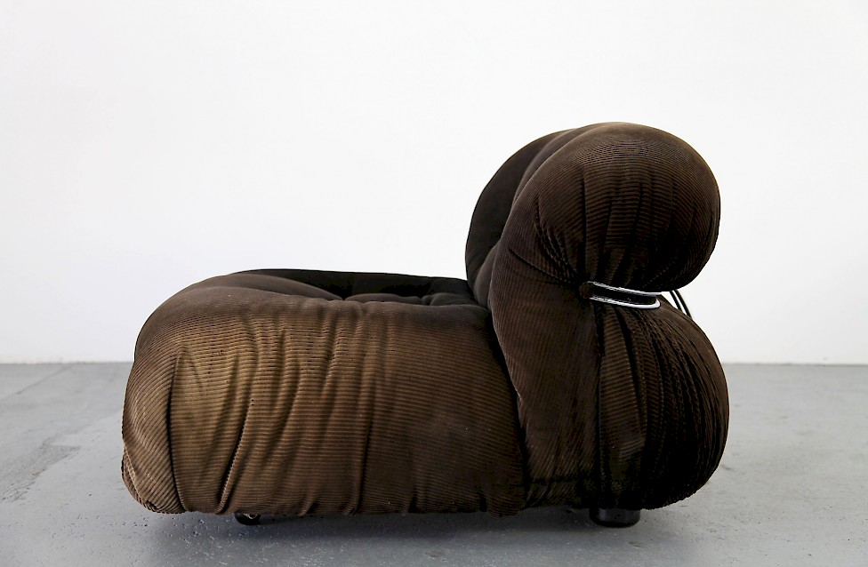 soriana lounge sessel von cassina italien adore modern. Black Bedroom Furniture Sets. Home Design Ideas