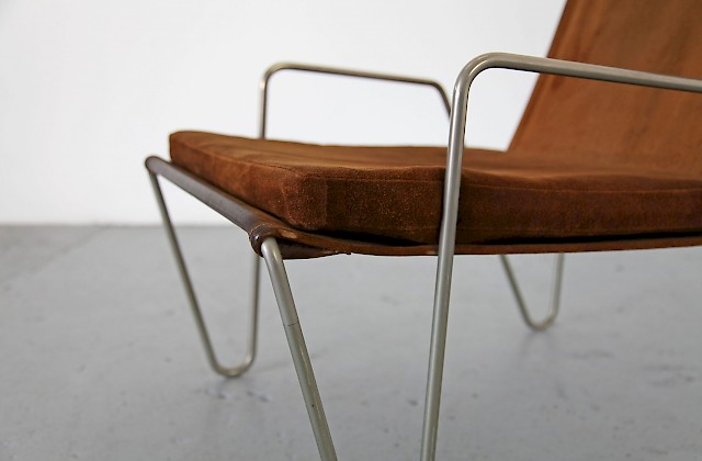 """The Bachelor Chair"" in brown Leather by Verner Panton / no.2"