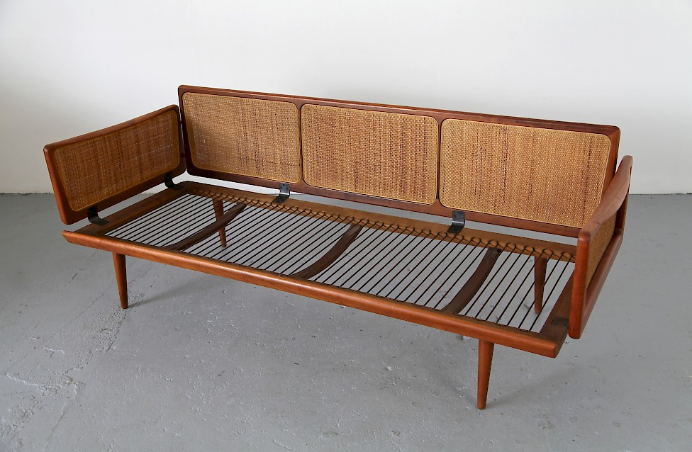 teak rattan daybed von france daverkosen adore modern. Black Bedroom Furniture Sets. Home Design Ideas