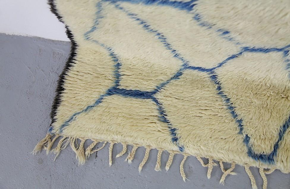 Vintage Berber Wool Carpet White Amp Blue Adore Modern