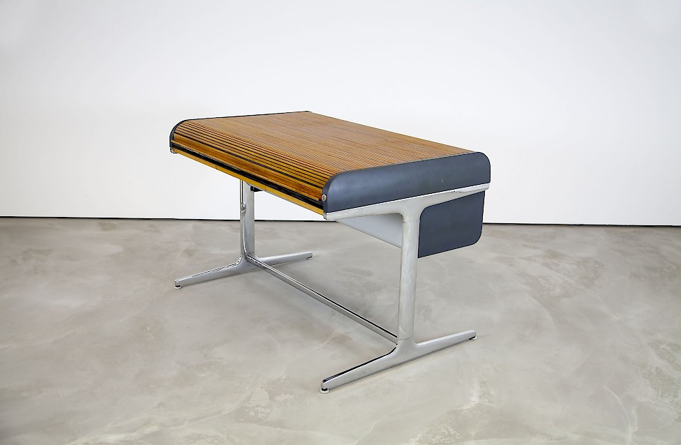Action Office Desk By George Nelson. Herman Miller