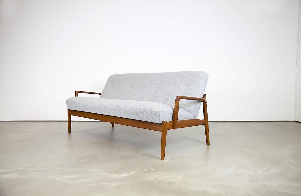 dreisitzer von tove edvard kindt larsen adore modern. Black Bedroom Furniture Sets. Home Design Ideas