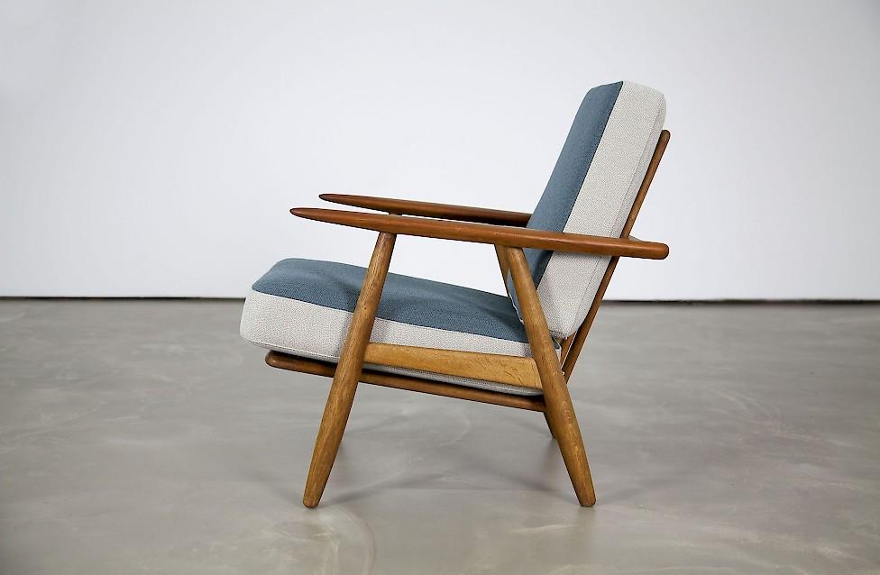 zigarren sessel von hans j wegner adore modern. Black Bedroom Furniture Sets. Home Design Ideas