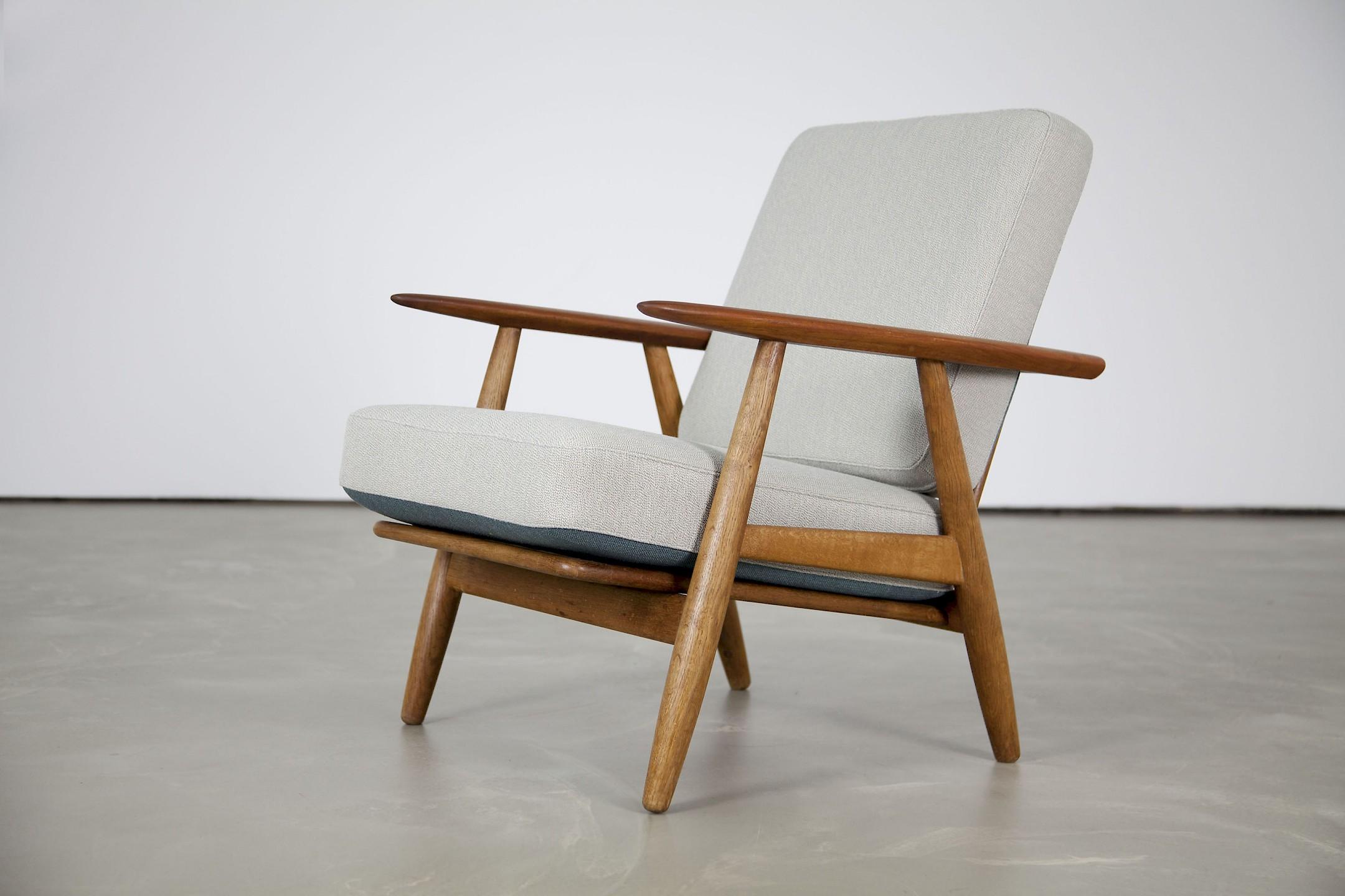 article 1304771. Black Bedroom Furniture Sets. Home Design Ideas