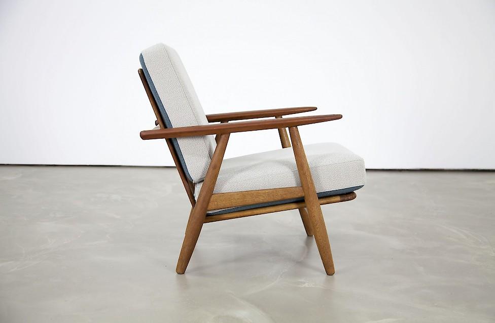 """Wegner Sessel zigarren sessel"""" von hans j. wegner - adore modern"""