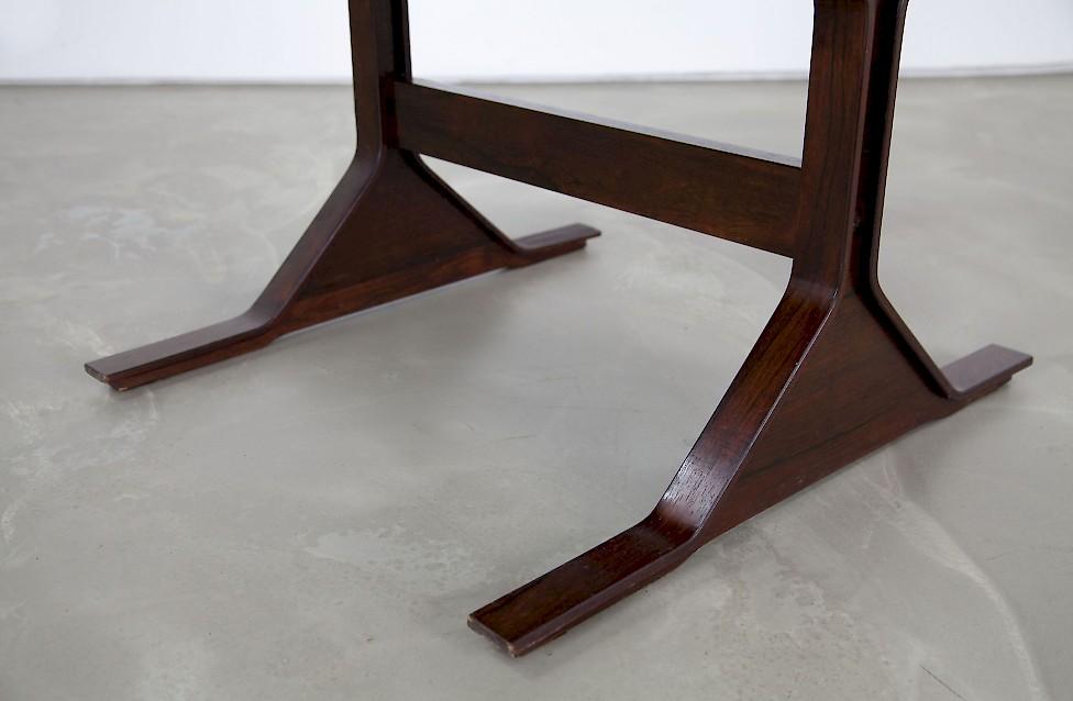 Schreibtisch von gianfranco frattini adore modern for Esszimmergruppe modern