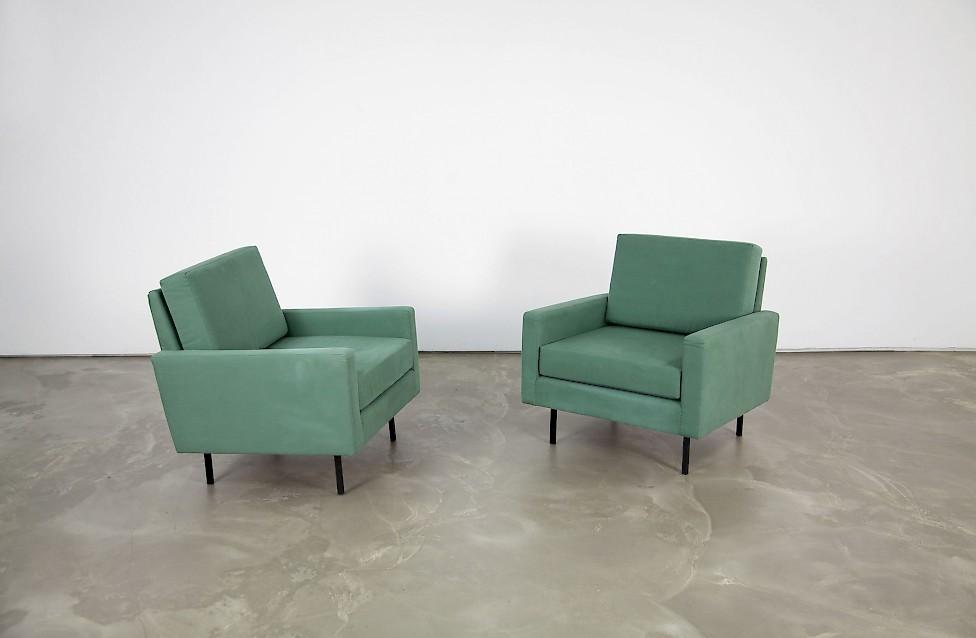 zwei sessel 25 bc von florence knoll adore modern. Black Bedroom Furniture Sets. Home Design Ideas