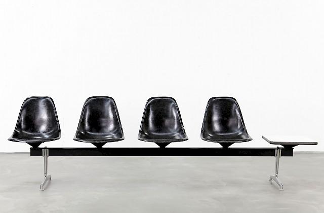 ray charles eames schreibtischstuhl adore modern. Black Bedroom Furniture Sets. Home Design Ideas