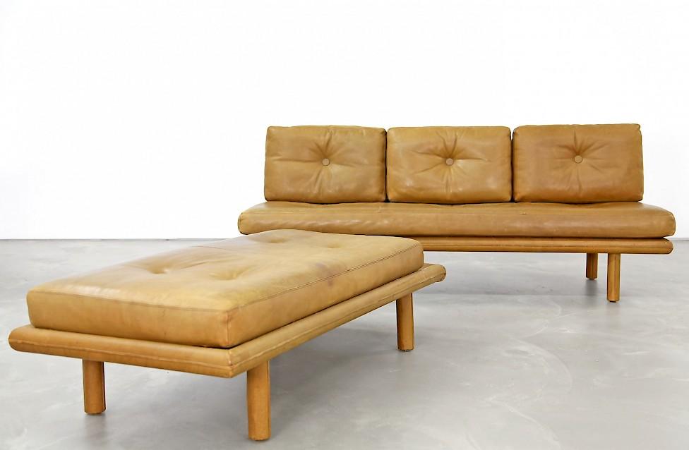 sofa schlafcouch ottomane von franz k ttgen adore modern. Black Bedroom Furniture Sets. Home Design Ideas