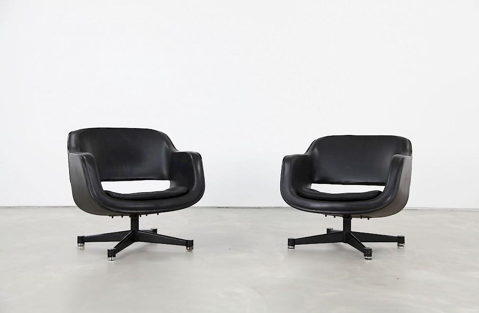 Pair of Swivel Club Chairs by Eero Aarnio