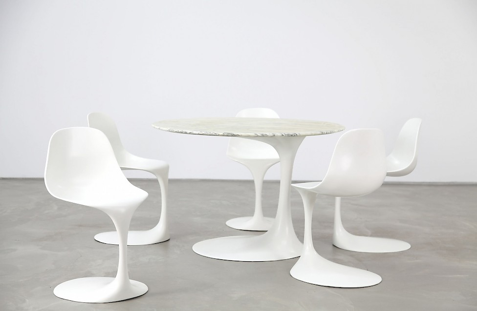 Table and five Chairs