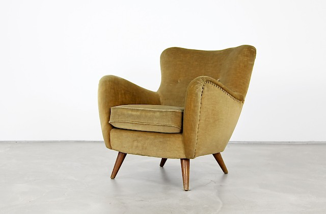 Curved Lounge Chair from the 1940s