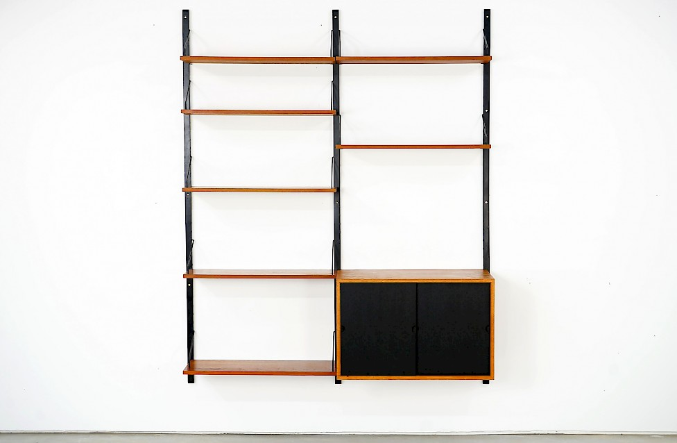 Shelving System Royal by Poul Cadovius