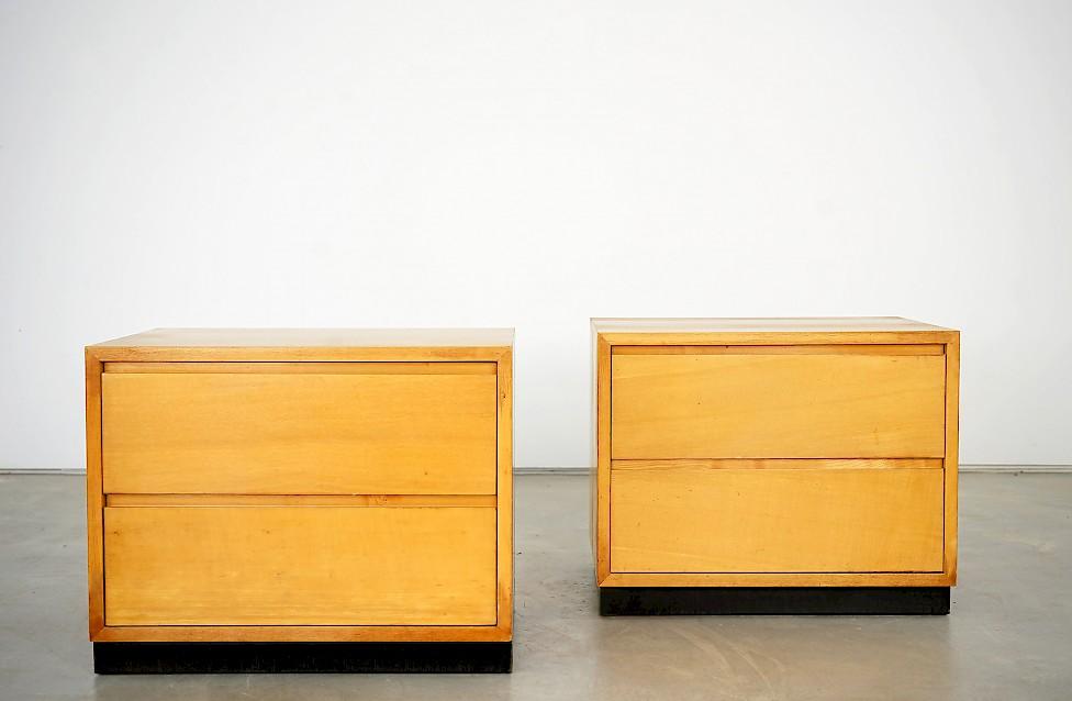 Zwei Nachttische von Helmut Magg