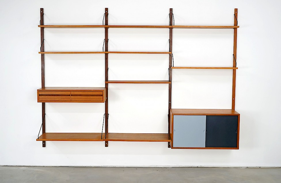 """Royal System"" Wall Unit by Poul Cadovius"