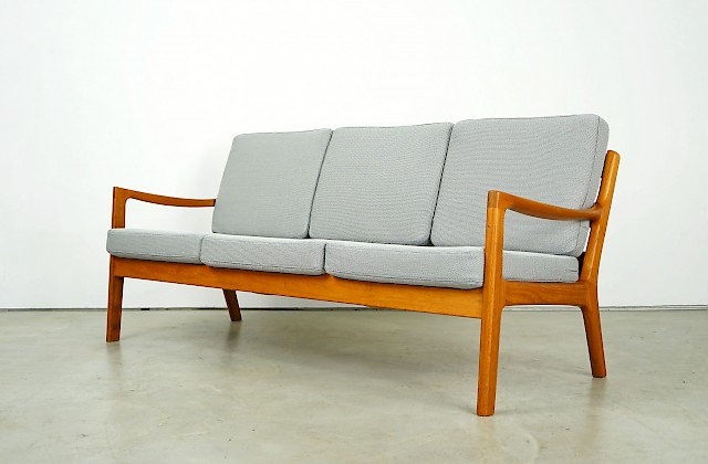 Senator Sofa by Ole Wanscher
