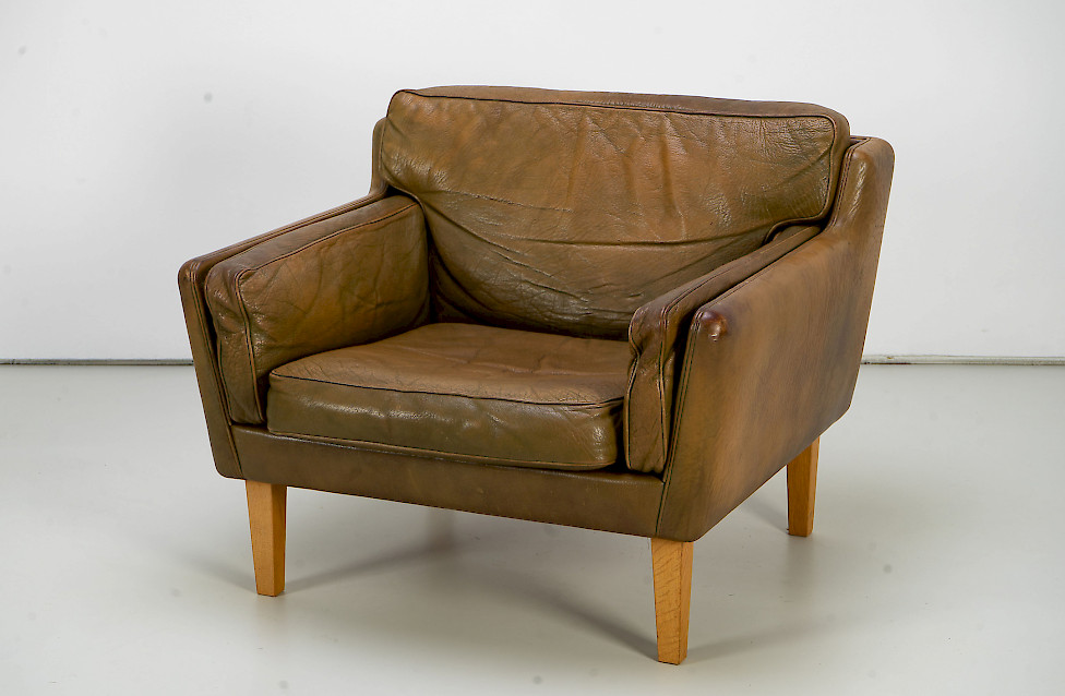 Leather Lounge Chair by Illum Wikkelsø