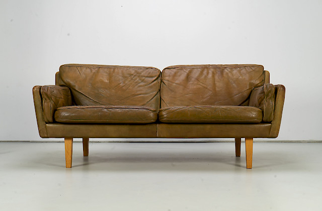 Leather Sofa by Illum Wikkelsø