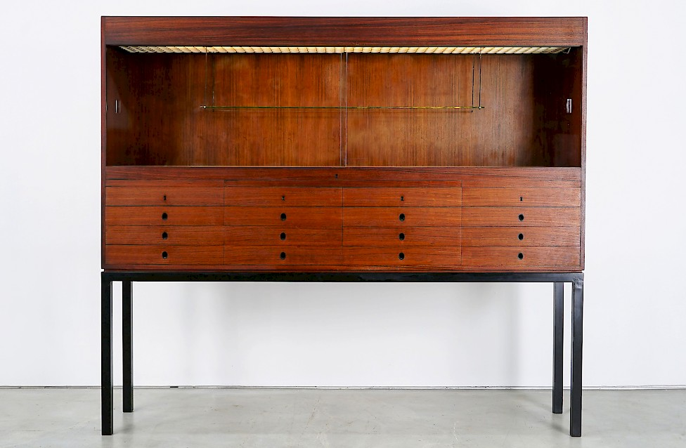 Large Rosewood Showcase