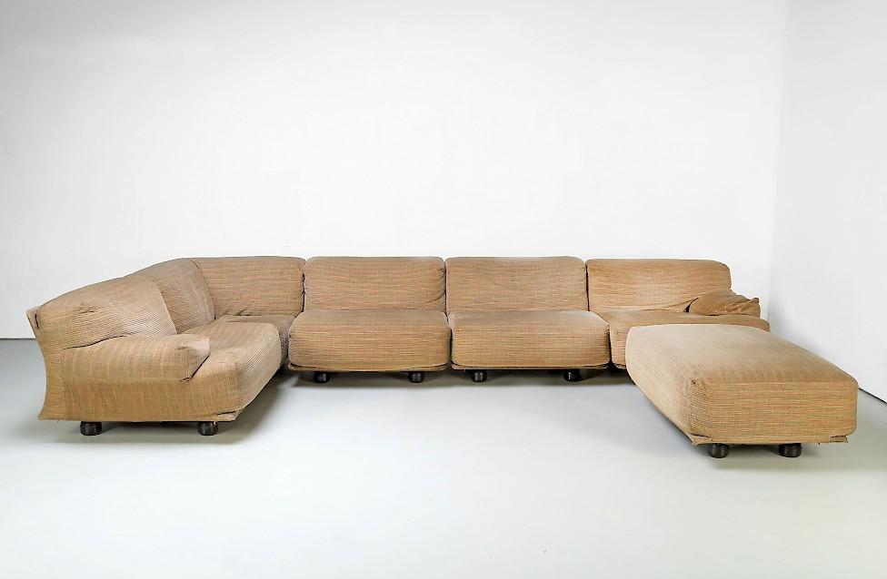 "Large ""Fiandra"" Sofa by Vico Magistretti for Cassina"