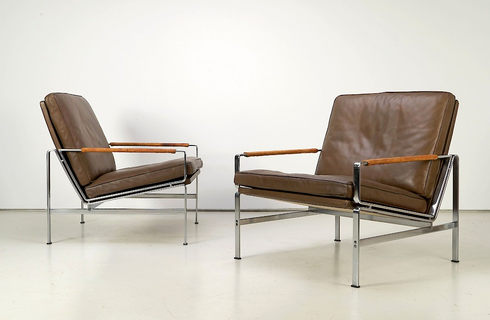 Lounge Chairs FK 6720 by Fabricius & Kastholm
