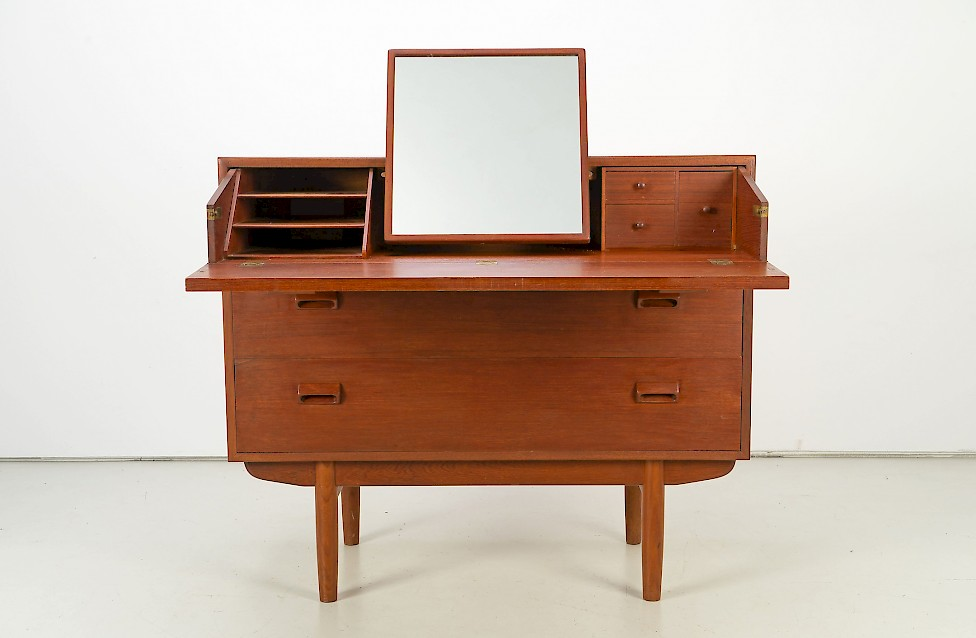 Vanity / Chest of Drawers by Børge Mogensen